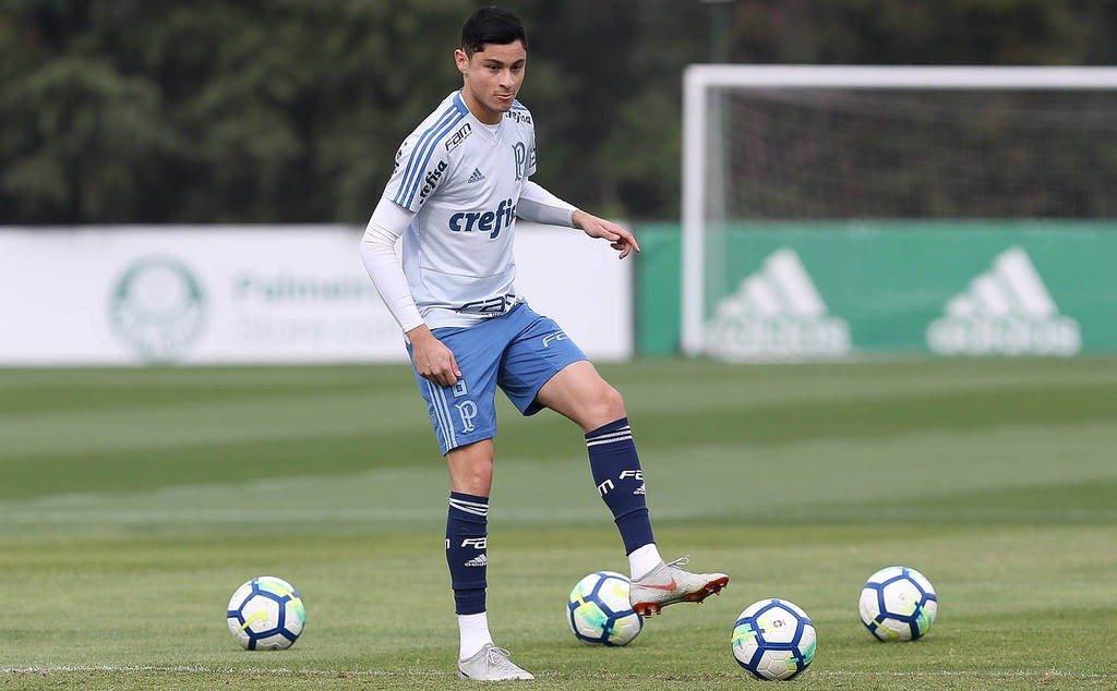 Inter faz proposta por Diogo Barbosa