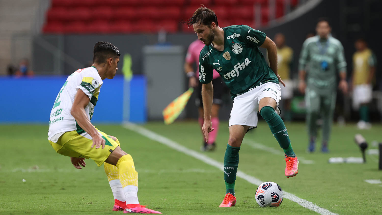 O zagueiro da equipe argentina opinou sobre o Palmeiras