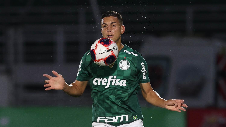 Zagueiro Renan
